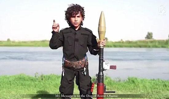 فرار ابوبکر البغدادی به نزدیکی مرز سوریه/نوجوان داعشی: اوباما! گردنت را میزنم/داعش تویوتاهایش را از کجا می آورد؟