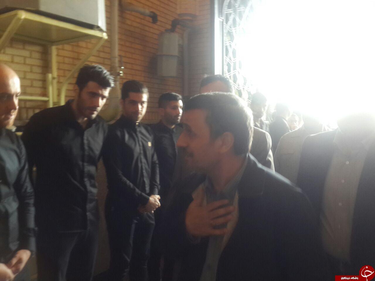 دیالوگ لو رفته میان احمدی نژاد و علی پروین در مجلس ختم هادی نوروزی+متن