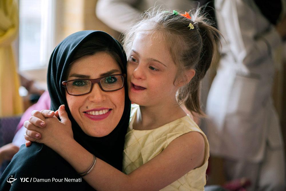 مراسم روز جهانی کودک در آسایشگاه کهریزک با حضور هنرمندان