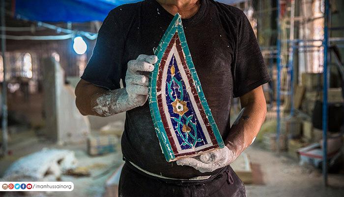 معرق کاری هنرمندان ایرانی در حرم مطهر حسینی + تصاویر