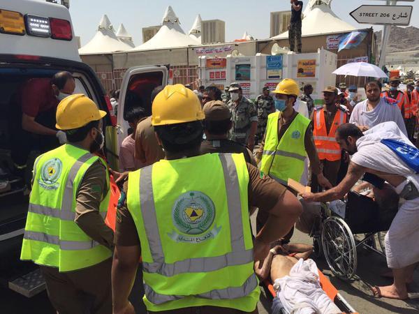 کشته و زخمی شدن پانصد نفر از حجاج در ازدحام سرزمین منا