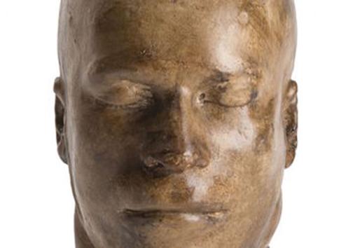برپایی نمایشگاه آلات قتل و قالب چهره های معروفترین قاتلان! + تصاویر