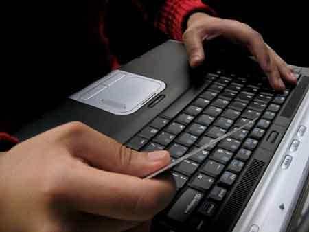 اطلاعات گوشی و رایانه خود را روئین تن کنید
