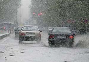 بارش باران در گیلان و ترافیک نیمه سنگین آزاد راه کرج- قزوین