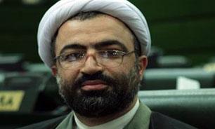 رسایی: آقای لاریجانی آییننامه را امروز زیر پایتان گذاشتید/ لاریجانی: همه نمایندگان در جریان موضوع بودند