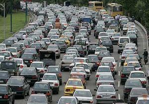 ترافیک نیمه سنگین و بارش باران در جادههای کشور