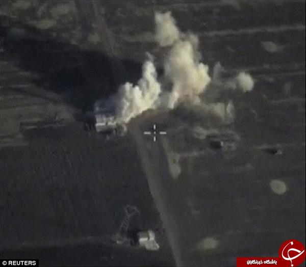 لحظه نابودی ساختمان فرماندهی داعش در رقا +فیلم