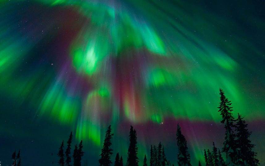 بازی نور در آسمان + 12 عکس
