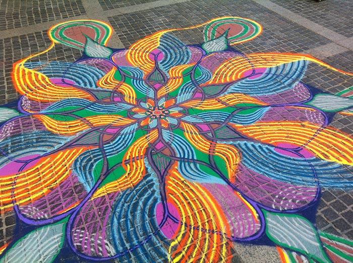 نقاشی های جالب شن و ماسه ای در کف خیابان