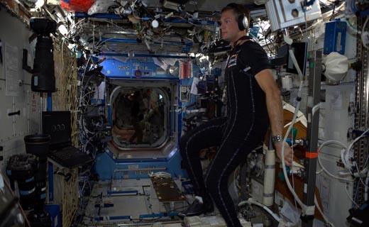 لباسی که عوارض محیط فضا را برای فضانوردان کاهش میدهد + عکس