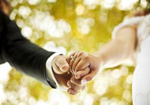 3698413 948 ازدواجی با ۹۵ سال اختلاف سنی