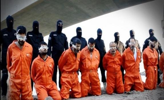 نماد نارنجی کفر و نفرت از غرب، بر تن قربانیان بخت برگشته داعش