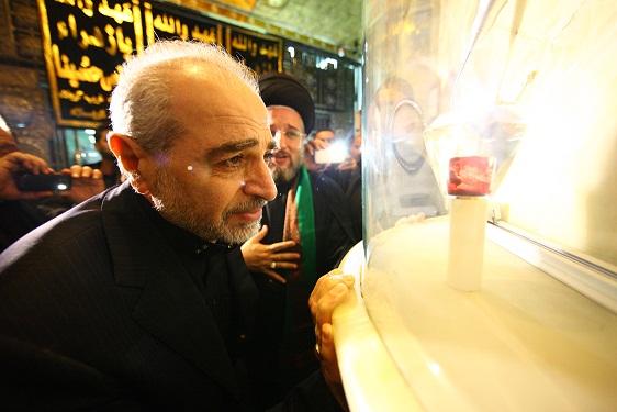 تربت امام حسين(ع) همزمان با عاشورا به رنگ سرخ تغيير کرد + فیلم و تصاوير