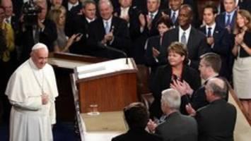 قاپیدن لیوان پاپ در کنگره آمریکا+ تصاویر