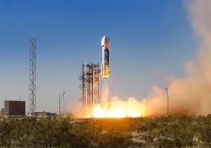 دعوا بر سر ساخت اولین فضاپیمای توریستی   تصاویر