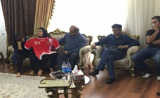 پیراهن هادی نوروزی در آغوش همسرش + عکس