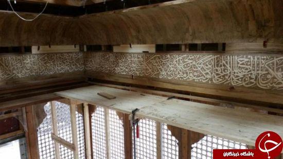 ساخت و نصب کتیبه قرآنی داخل ضریح جدید حضرت عباس(ع) + تصاویر