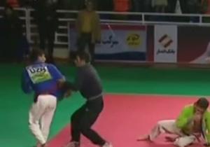 برادر رزمی کار ایرانی حریف ازبک را وسط مسابقه رسمی کتک زد + فیلم