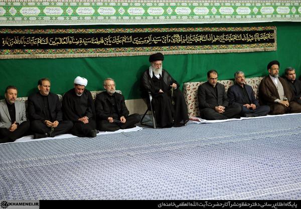 مراسم عزاداری شام غریبان حضرت اباعبدالله الحسین(ع) با حضور رهبر معظم انقلاب برگزار شد