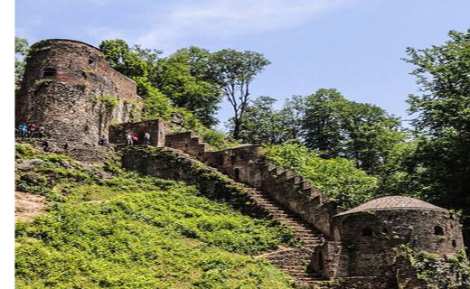 جاذبه های گردشگری قلعه رودخان در فومن