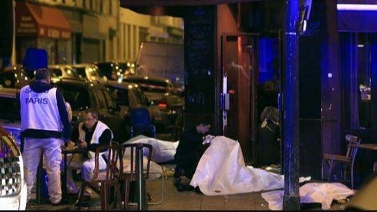 انفجارهای مرگبار، تیراندازی و گروگانگیری در پاریس/ 60 نفر کشته شدند/ واکنش داعش چه بود؟