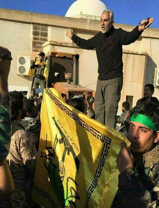 جدیدترین عکس سردار سلیمانی درحال فرماندهی میدانی عملیات در «ریف حلب»