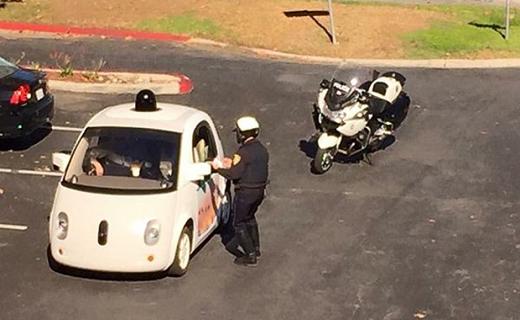 ماشین بدون راننده گوگل جریمه شد