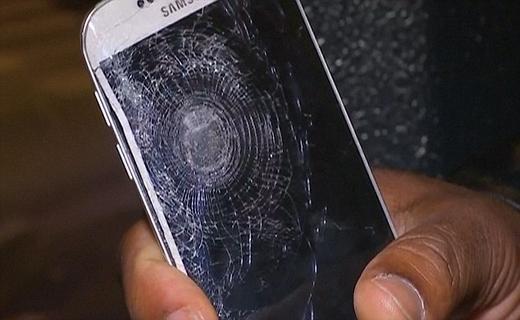 موبایلی که به قیمت حفظ جان صاحبش نابود شد + تصاویر