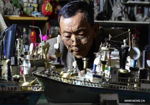 هنرمند سالخوردهای که ماشینهای دستساز تولید میکند + تصاویر