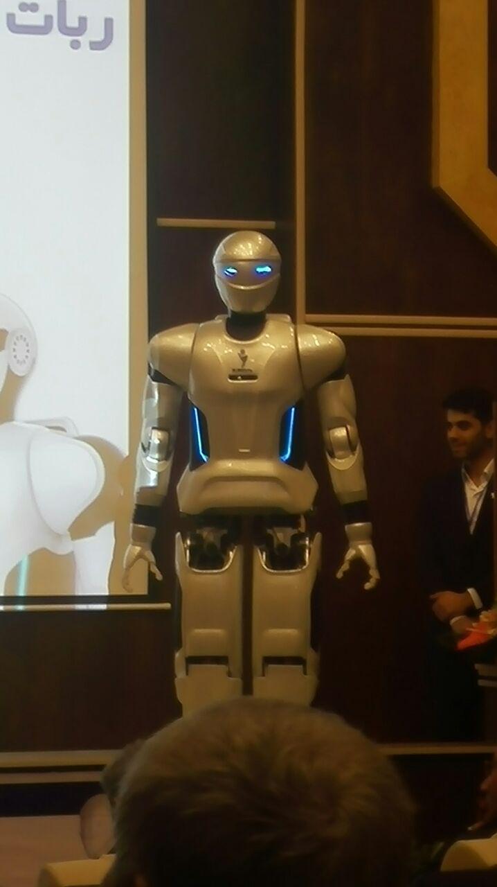 رونمایی از روبات انسان نمای ملی سورنا 3 + تصاویر