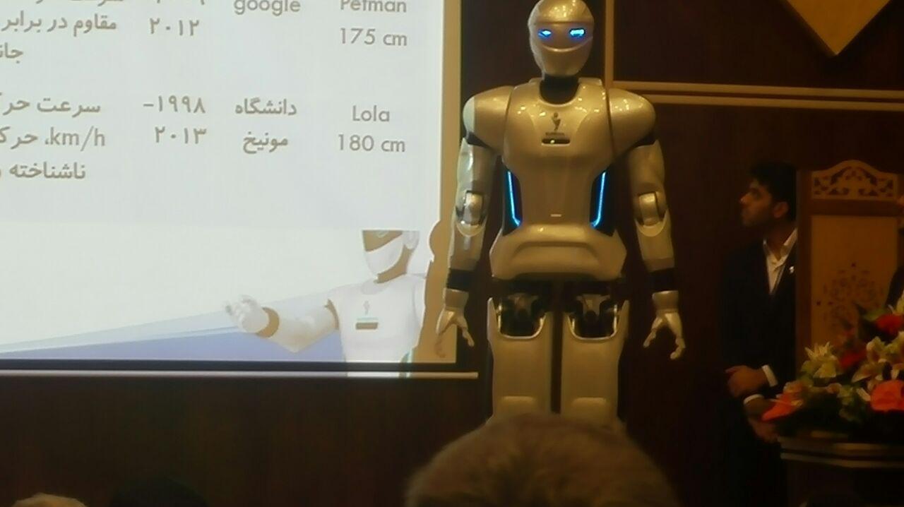رونمایی از روبات انسان نمای ملی سورنا 3