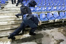 لغو بازی فوتبال آلمان و هلند به دنبال تخلیه ورزشگاه شهر هانوفر+ تصاویر