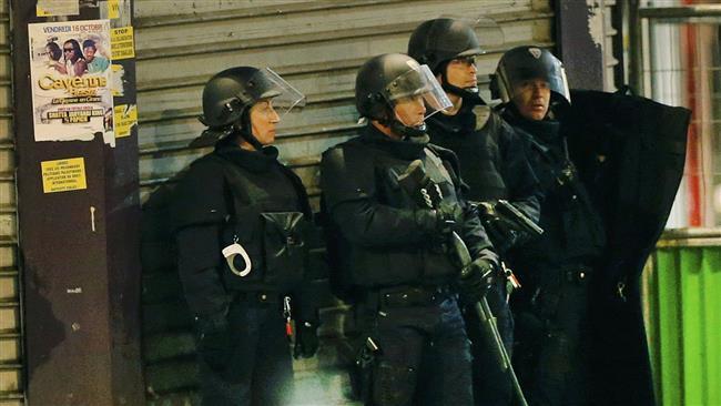 زخمی شدن چند پلیس پاریس در پی تیراندازی/ توقف حرکت مترو/ تعطیلی مدارس در شمال پاریس