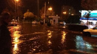 بارش باران و آبگرفتگی معابر و خیابانهای قزوین+تصاویر