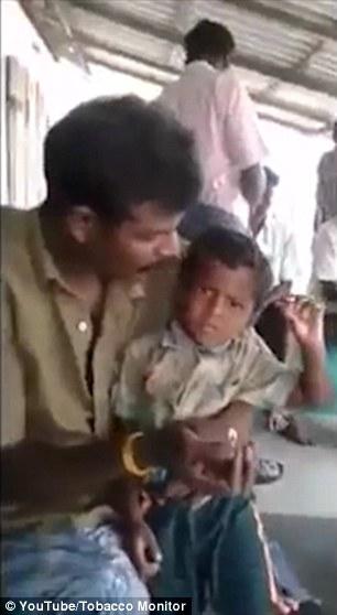 سرگرمی مشمئز کننده پدر هندی + تصاویر