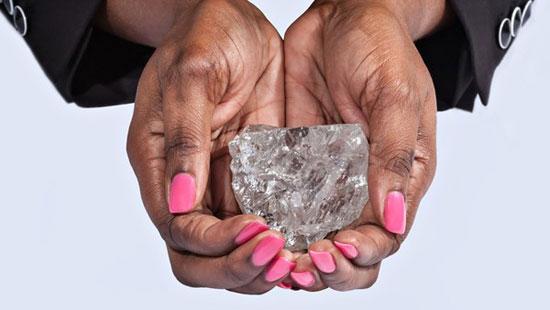 کشف بزرگترین الماس در آفریقا +تصویر