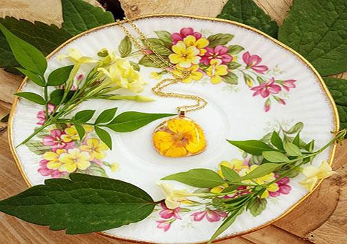 زیورآلاتی از جنس گل و گیاه + تصاویر