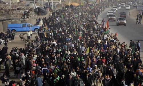 نتیجه تصویری برای پیادهروی زائران حسینی