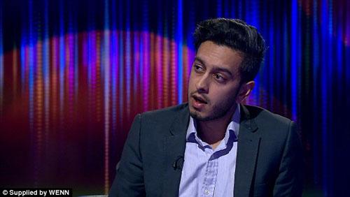 توقیف لپتاپ خبرنگار بیبیسی به اتهام ارتباط با داعش+ تصاویر