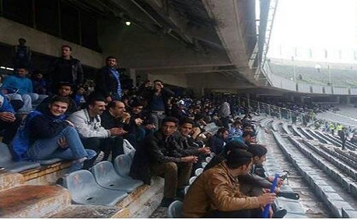 پای اسپانیایی ها به دربی تهران باز شد/ پرسپولیسی ها وارد ورزشگاه شدند