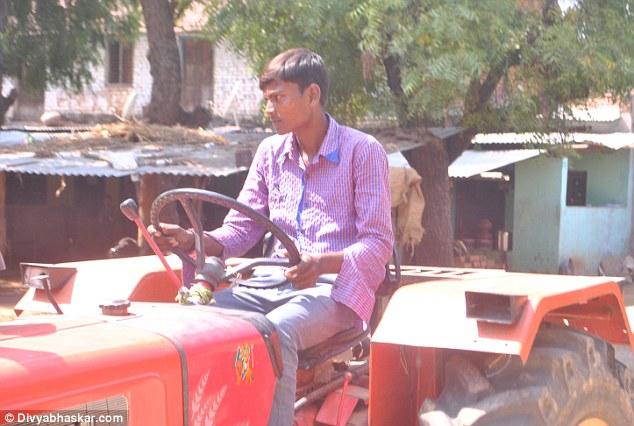 زندگی معجزه آسای مرد هندی با قلب خارج از بدن + تصاویر
