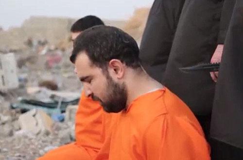 سر بریدن 4 نیروی پیشمرگه به دست تروریستهای داعش+ تصاویر