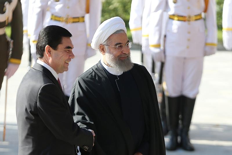 روحانی: روابط اقتصادی ایران و ترکمنستان به 60 میلیارد دلار افزایش مییابد