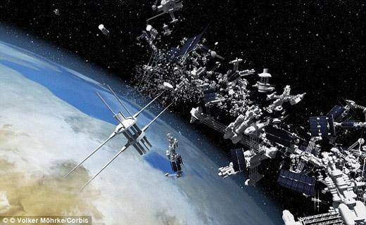 راز و رمزهای سقوط شی فضایی به زمین + تصاویر