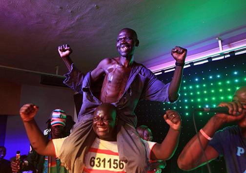 تقلب در مسابقهی زشتترین مرد زیمبابوه + تصاویر