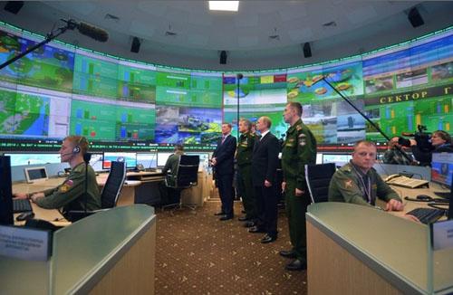 تصاویری از اتاق جنگ پوتین!