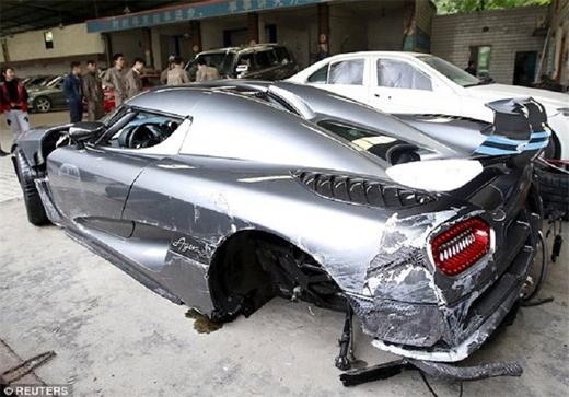 تصادف 3 میلیون دلاری راننده چینی+تصاویر