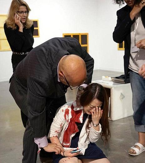 چاقوکشی در نمایشگاه هنری میامی