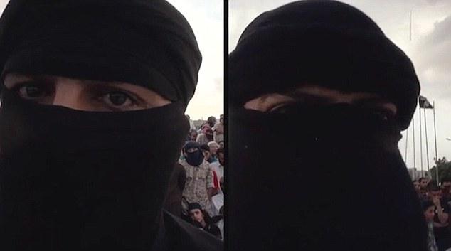 داعش 2 ساحر را در ملاء عام گردن زد + تصاویر و فیلم