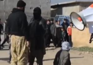 دانلود فیلم اعدام یک مرد در ملاعام توسط داعش + فیلم(18+)